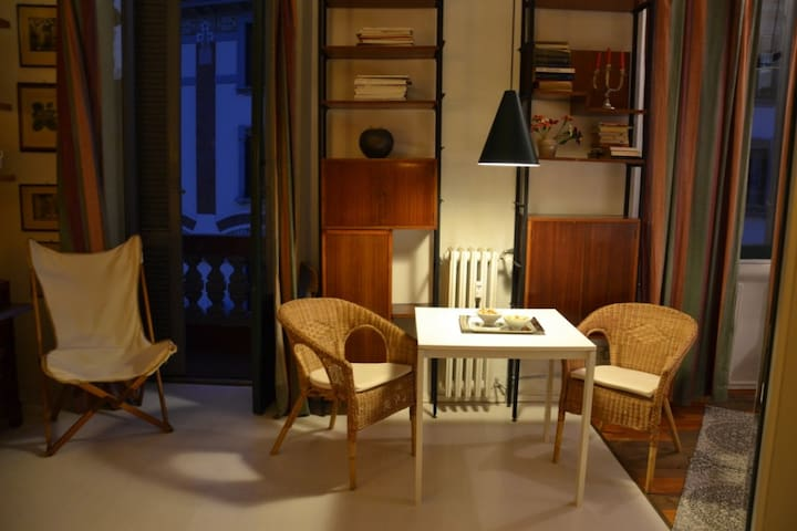 COZY FLAT AT VIA TIRABOSCHI, PORTA ROMANA METRO - Milan - Appartement
