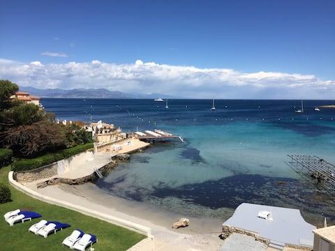 Excepcional vista al mar y a la playa privada