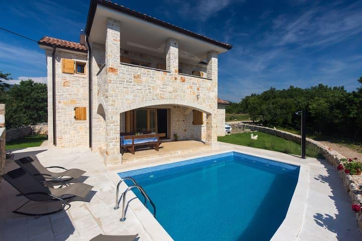 Bakarac 2017: Top 20 Bakarac Accommodation, Holiday Rentals