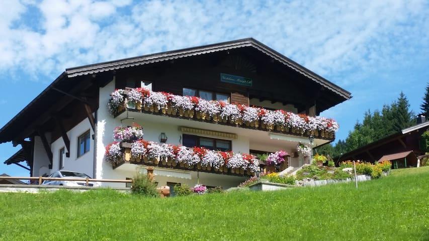 Gästehaus Margit Ott im Kleinwalsertal - Riezlern - Tatil evi