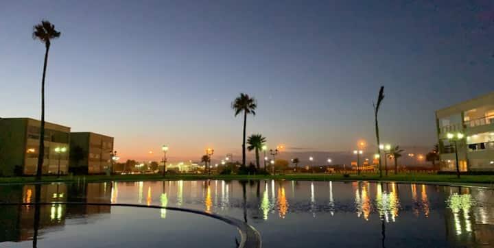 Ola Blanca: Résidence piscine et accès place