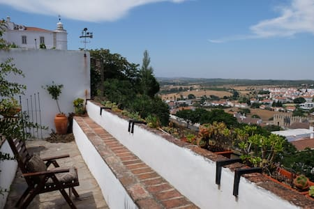 Charming Apartment in Medieval Castle - Estremoz - アパート