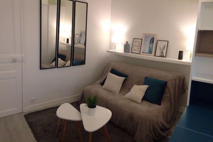 Refurbished apartment near Eiffel Tower