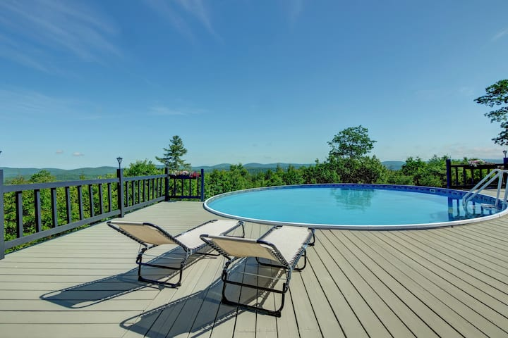 Perfect getaway! Stunning panoramic views!