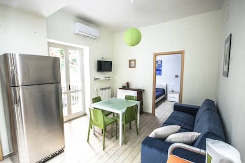 Simmi and Rob's, cute apartment in Mergellina