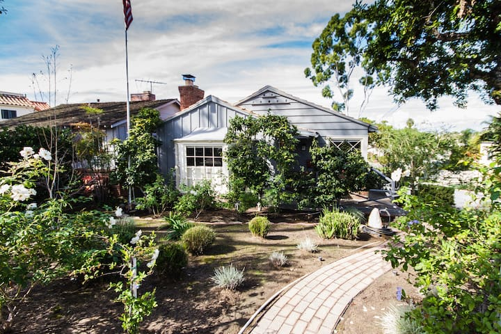 Beautiful quiet beach cottage in Corona Del Mar - Newport Beach - House