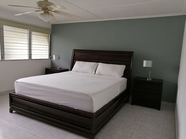 Casa Natura, King bed room, safe centrally located