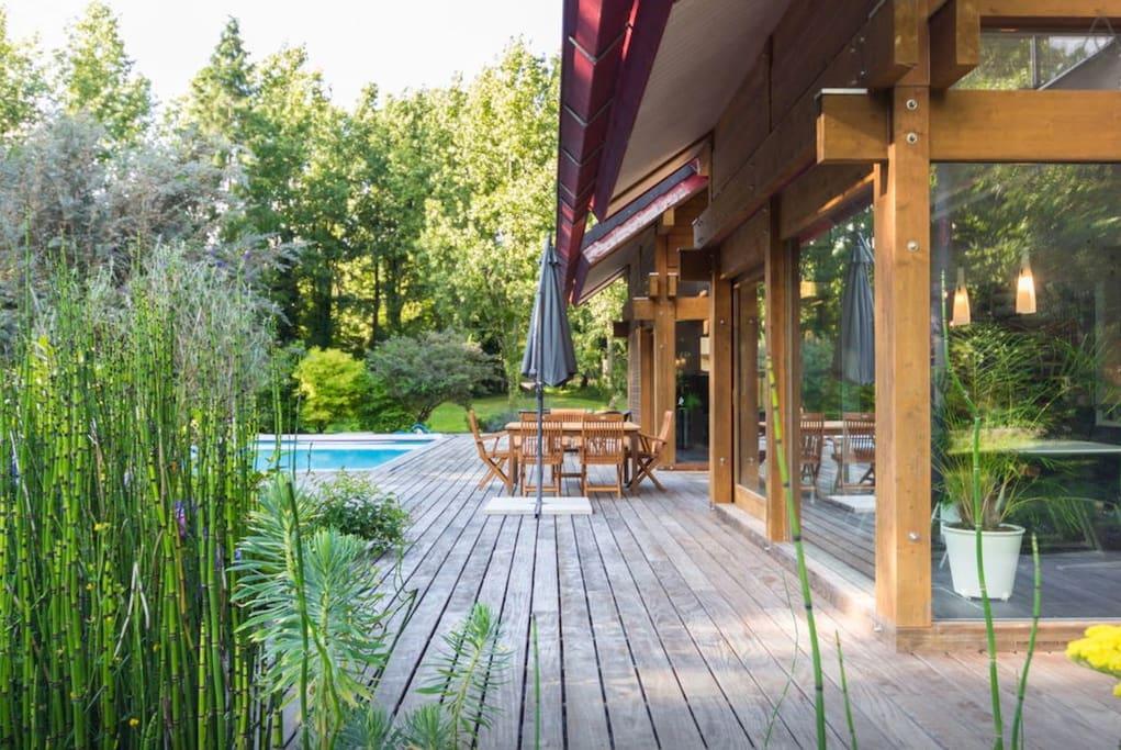 Villa piscine dans un domaine priv exceptionnel villas for Piscine privee rennes