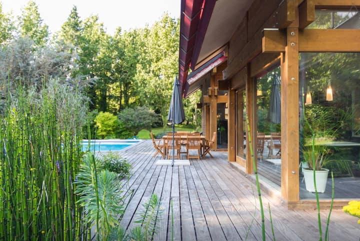 Villa piscine dans un domaine privé exceptionnel
