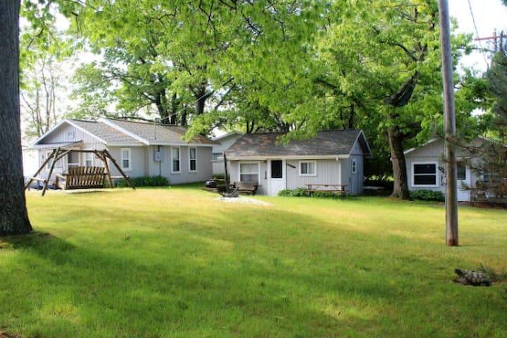 Regatta Cottage on Lake Huron