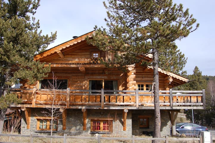 Formiguères Chalet rondins 135m² près station ski