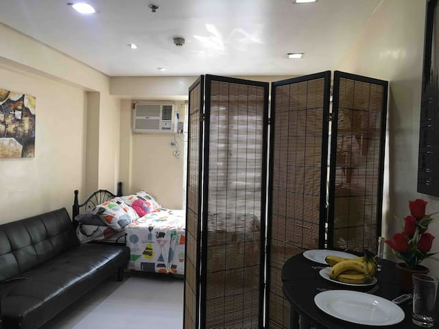 Cozy stay in Avida San Lazaro Manila with Wifi
