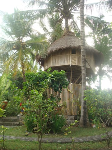 Bamboo Tree House with ocean and cliff view