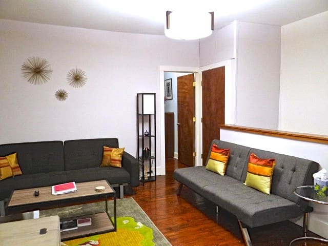 HEART OF DOWNTOWN - MODERN 1 BR - Lancaster - Wohnung