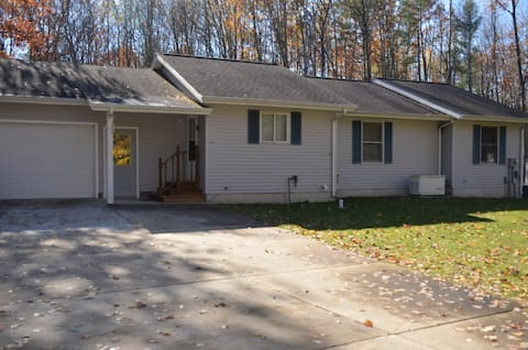 Quiet, relaxing and comfortable home in Big Rapids