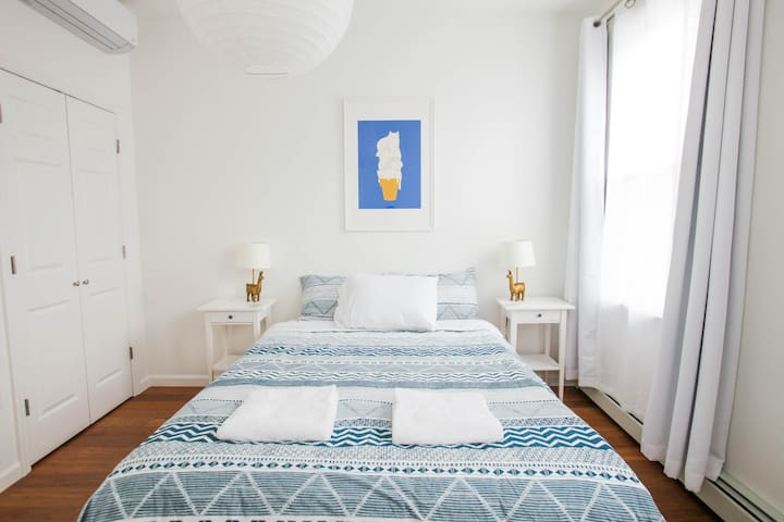 Room 4 · Eco friendly, Jersey City, 15 min to NYC