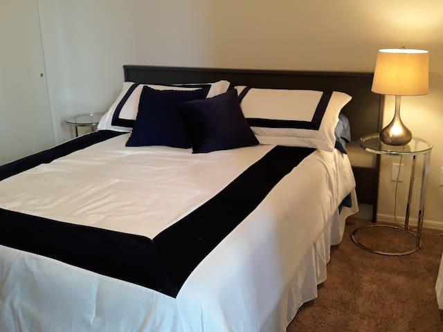 Bedroom 1 has queen bed.