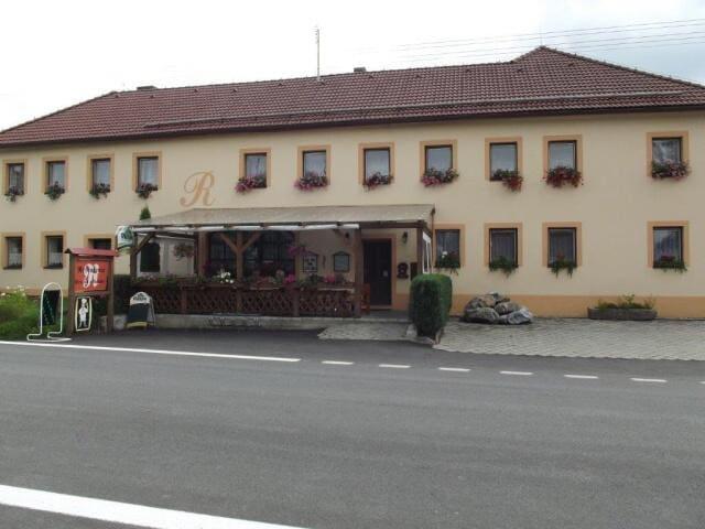 Restaurace a penzion u Račáků