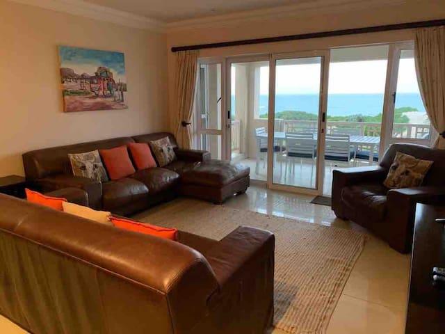116 Milkwood, Jeffery's Bay Large luxury apartment