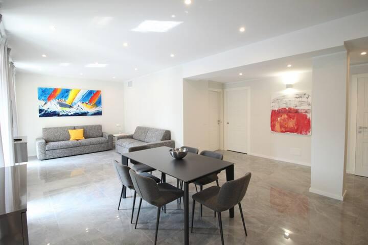 Spazioso e lussuoso appartamento - 50mt dal mare