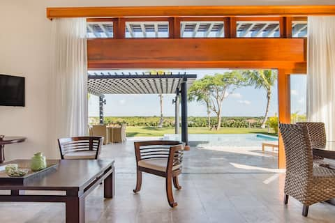 Eat Breakfast by the Pool at a Palatial Garden Paradise
