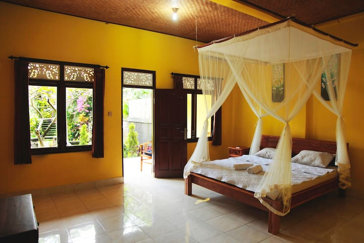 Space and all what you need to relax... you are in Bali!