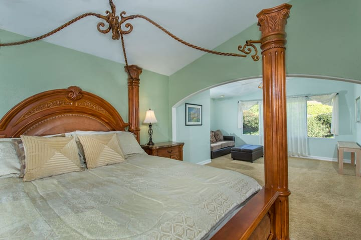 Master Bedroom Cal King Bed Next to Retreat