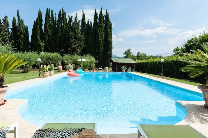 Villa with one bedroom in Provincia di Pisa, with shared pool, furnished terrace and WiFi - 20 km from the beach