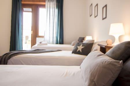 B&B hinterland di Alghero, 2 stanze con bagno priv - Uri - Bed & Breakfast