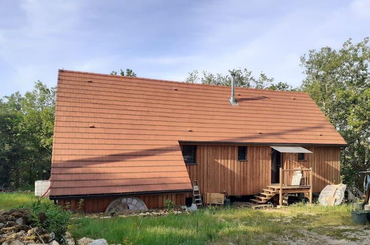 Bufo Loup la maison bois-terre-paille
