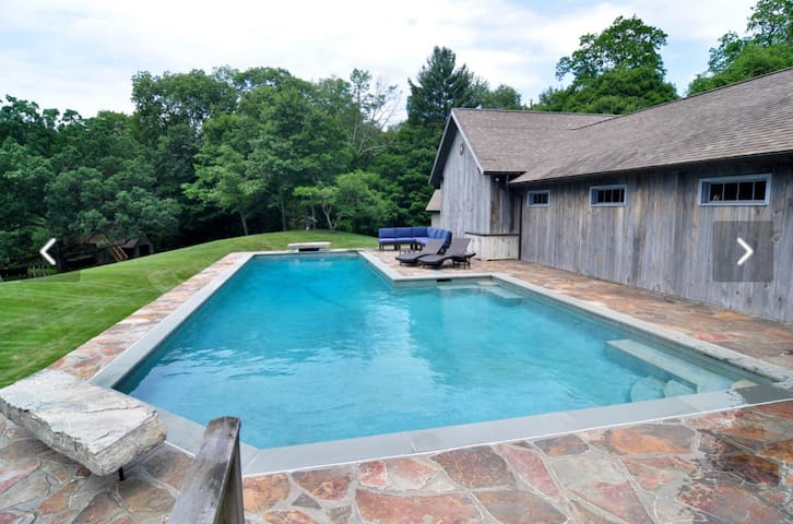 Private Pool House Retreat