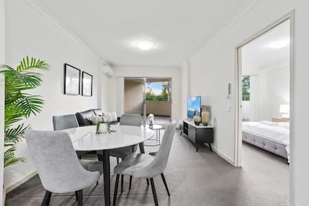 Modern Luxury Apt. close to Parramatta, CBD
