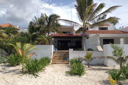 CARDUMEN Beach house - Chicxulub Puerto - บ้าน
