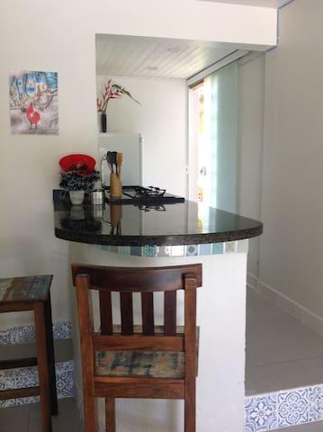 Kitnet, 3 quadras da praia Garopaba - Garopaba - Lägenhet