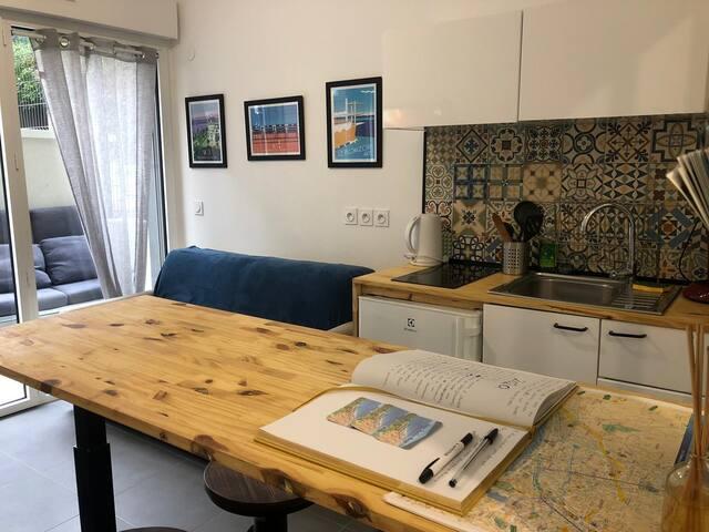 WONDERFUL STUDIO in the CENTER of Nice
