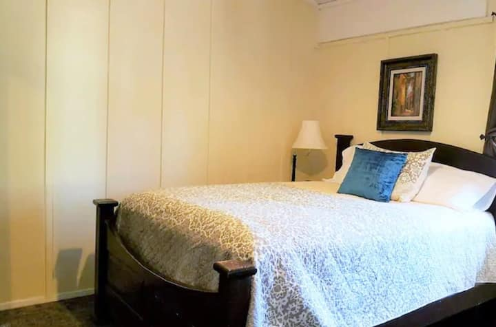 June Lake Chalet, Chalet Suite 4 / Sleeps 2