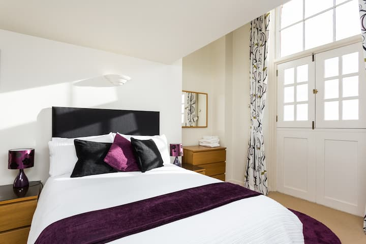 Beautiful Apartment Close to Minster. Free parking