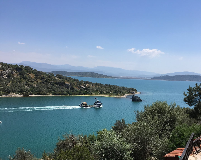 AirBnB in Turkey, Iasos, Kıyıkışlacık: Nordic style, feet in the water, and ruin views!