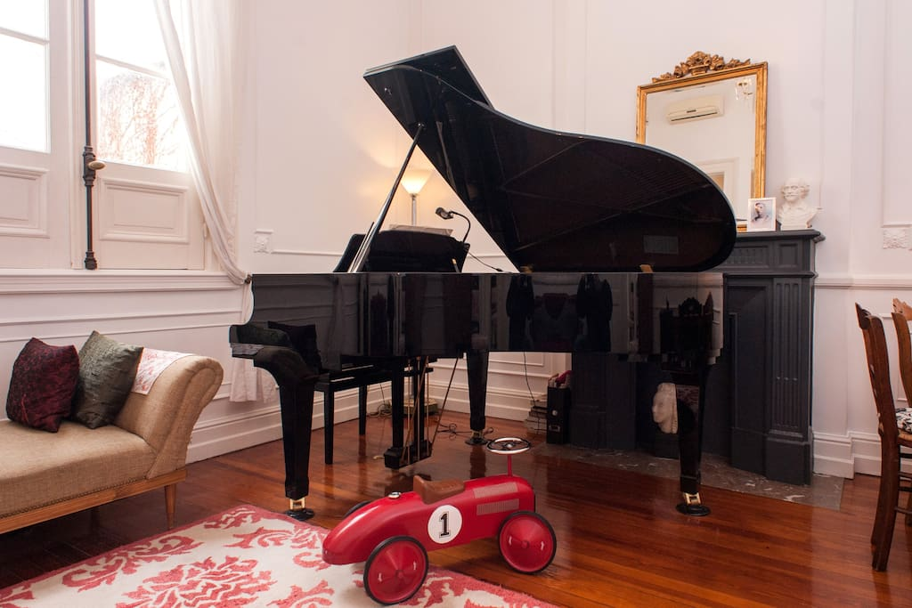 Relax and let your friends provide musical entertainment with glass of wine in hand