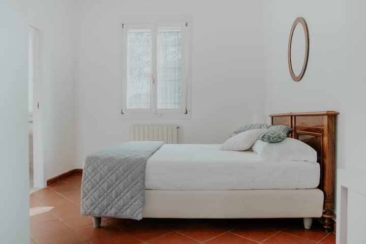 Maison 70 - Villa sui Colli Bolognesi Stanza Gelso