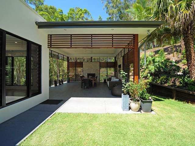 Rainforest oasis meets the ocean - Buderim - Bed & Breakfast