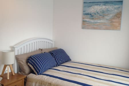 Double with TV on Walney £100/wk - Barrow-in-Furness