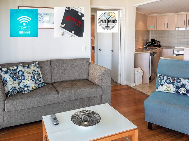 With Free Wi Fi, Netflix and a free bottle of wine awaiting your arrival, choice is yours on whether you enjoy your wine watching Netflix or gazing out over the ocean and lagoon pool on your large verandah.