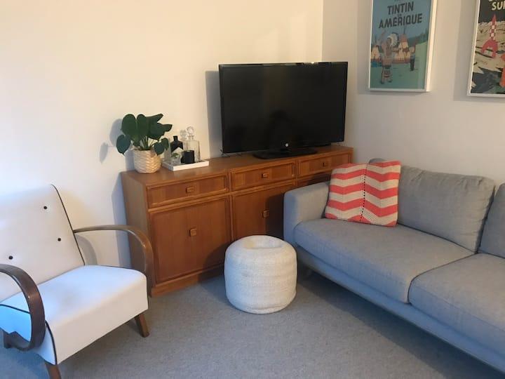 Cosy one bedroom flat in quiet Lyneham