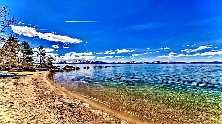Luxury villa Steps  the Lake Tahoe beach Home with Hot Tub,Close to Skiing: LV12