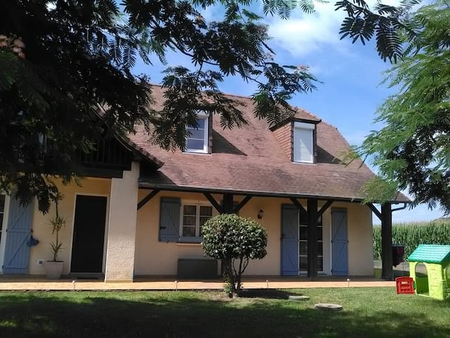 Chambre, salon, balcon, piscine - Sévignacq