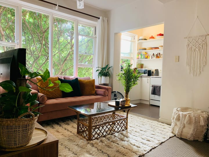 Gorgeous, sunny studio apartment
