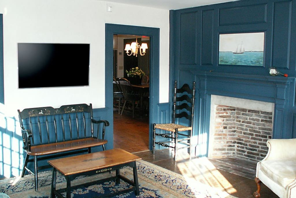 Ist Floor: Blue Sitting Room