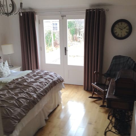 Double/Twin room with en-suite - Troon - House