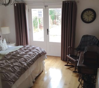 Double/Twin room with en-suite - Troon - Ház